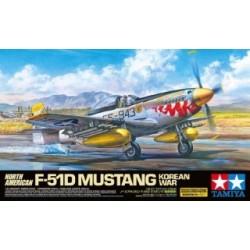 TAMIYA : F-51 D MUSTANG...